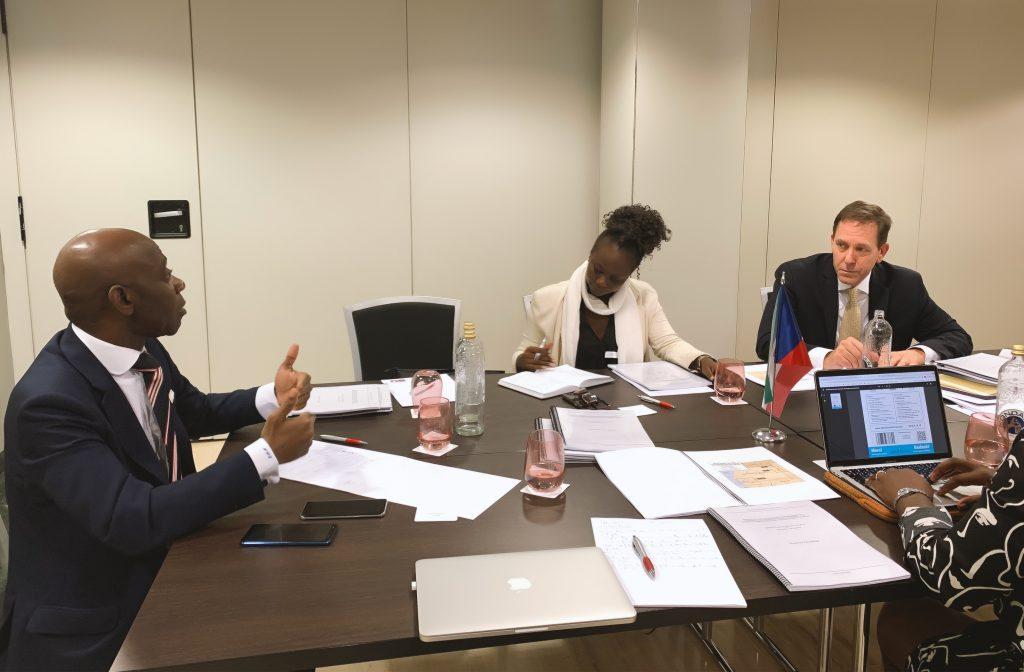 Reunión abogados caso contra Gabón