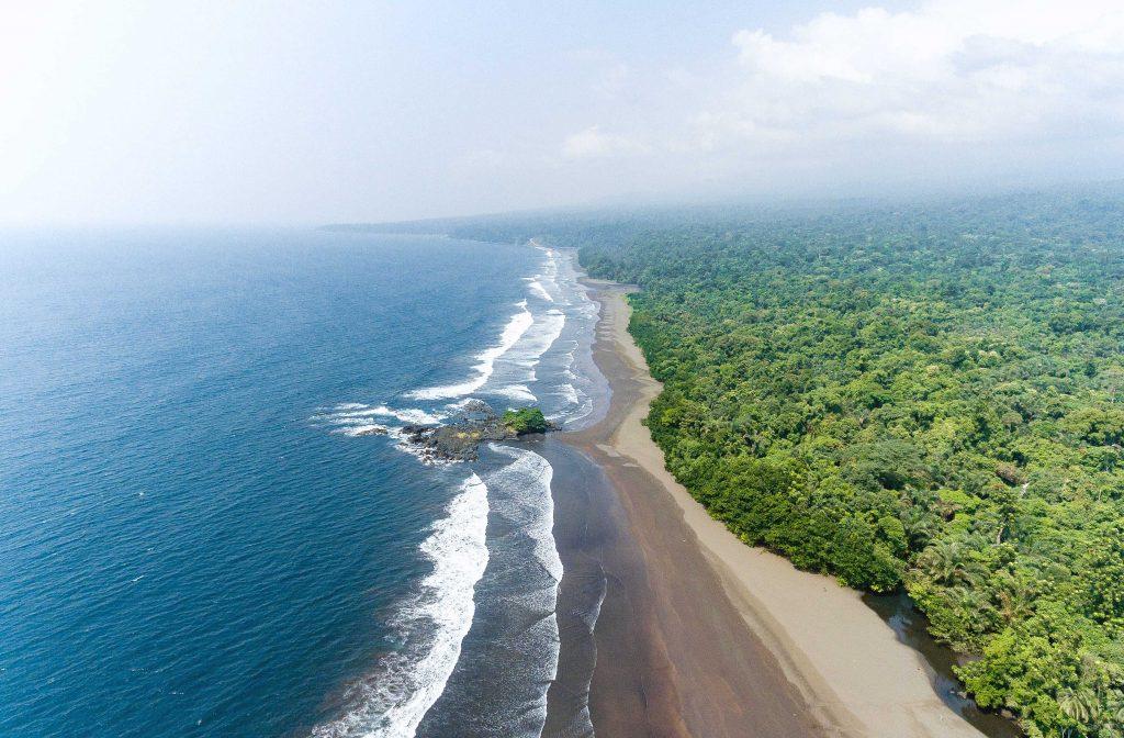 Playa para viajar a Guinea Ecuatorial